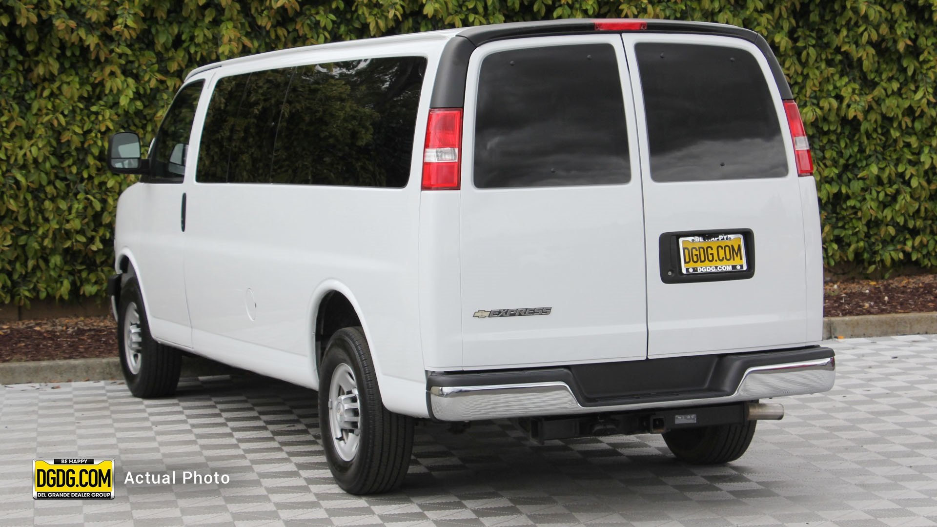Pre-Owned 2017 Chevrolet Express 3500 LS
